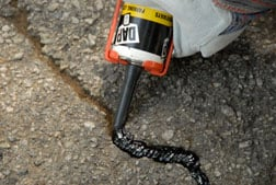 How to fix cracks in asphalt driveway