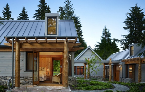 Metal panel roofing is a striking, sensible alternative for contemporary design. Photo: David Vandervort Architects