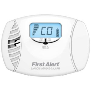 Dual-power plug-in CO alarm