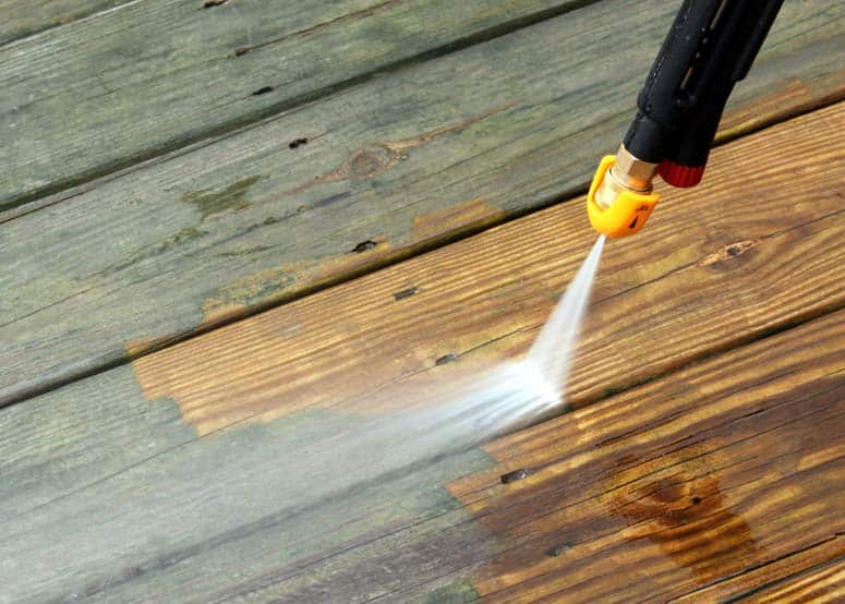 power-wash-old-decking-ss